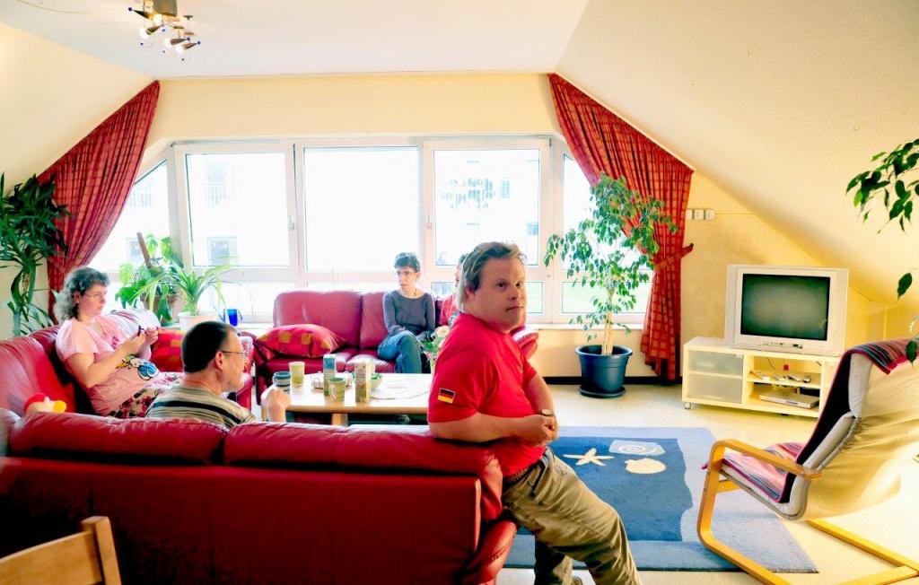 wohnungen waldheim 2 diakonische wohnheime himmelsth r ggmbh wohnheim f r behinderte. Black Bedroom Furniture Sets. Home Design Ideas